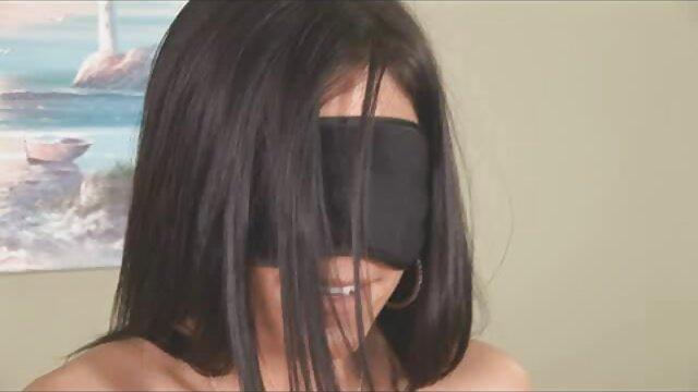 Plantureuse blonde adore se faire baiser dans la bouche vidéo x français gratuit