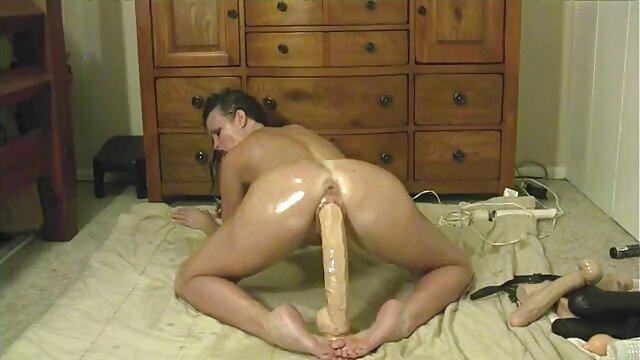 Douce jeune blonde baise avec un nègre video porno gratuite en streaming gonflé