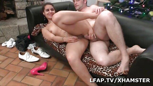 Des viol vidéo x déménageurs sexy gonflés ont donné un gangbang à la blonde Aubrey Star