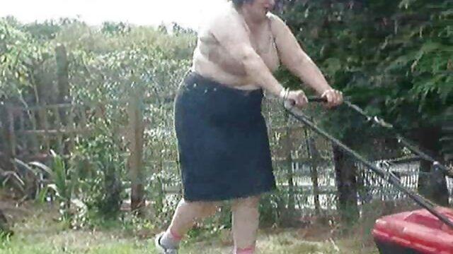 Asa Akira lèche la chatte de sa copine video film promo x sexy