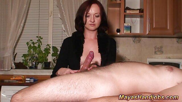 La jeune poulette video porno amateur en streaming Sylvia Chrystall suce une bite