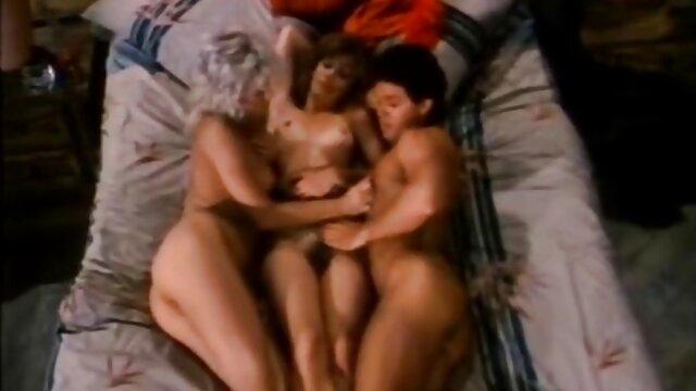 Jolie blonde brigitte lahaie video x aime sucer la bite