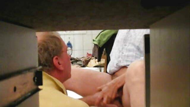 Un bel homme jeune et préoccupé trouve une salope d'âge juteuse tout aussi préoccupée et la baise youtube video porno x passionnément dans tous ses trous cassés