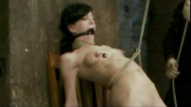 La chatte mature de maman est très excitante pour le mec video actrice porno