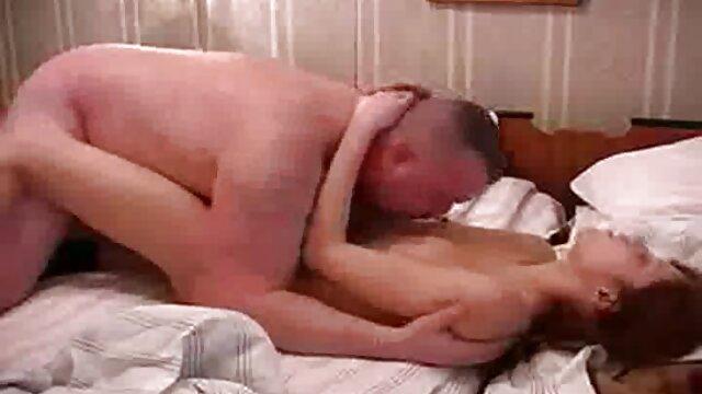 La video x gratuite viol fille chinoise a été enlevée par deux amis et a sorti leurs boyaux sains, a commencé à déchirer la salope dans toutes les fissures. La chienne a pleurniché et a demandé d'arrêter, mais ils ont commencé à la baiser encore plus violemment