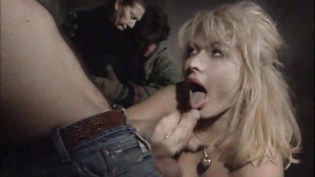 Horny chienne obtient ce extrait gratuit de film porno qu'elle veut, orgasme fou